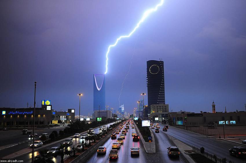 السعودية الحالة الماطرة الاكثر قوة لهذا الموسم تبدأ الاثنين وهذه