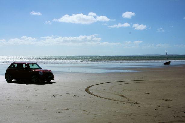 ساحل ويلز المذهل في 13 صورة تغريك بالزيارة