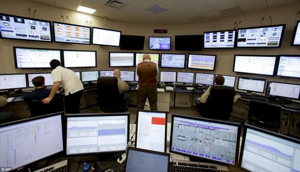 غرفة المراقبة داخل المحطة