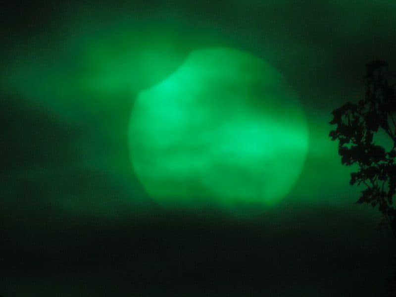 بالصور..  شاهد الخسوف الجزئي للقمر بتاريخ 15 فبراير / شباط