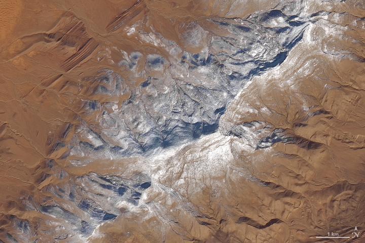 بالصور: ناسا تنشر صورا لتساقط الثلوج في الصحراء الجزائرية
