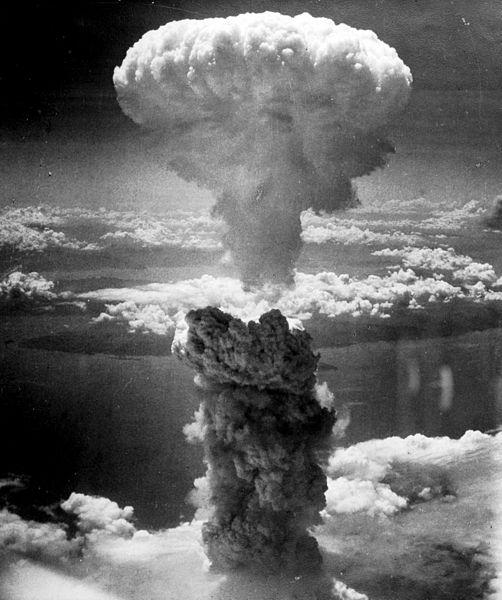مواقف غيّر فيها الطقس مجرى 502px-Nagasakibomb.jpg