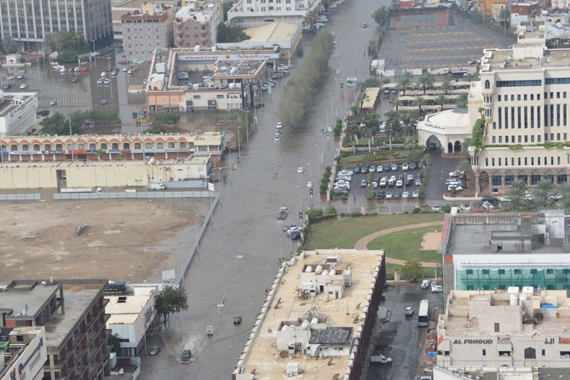 طيران الأمن يرصد صورًا حية لسيول جدة