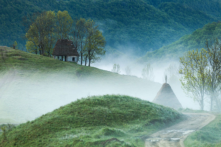 منزل على قمة جبل آبسيني في رومانيا
