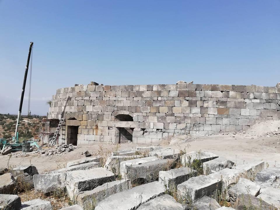 ترميم المدرج الغربي في مدينة جدارا ( أم قيس ) الأثرية  بشمال الأردن