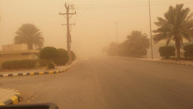 الطقس الرياض الغبار يضرب المنطقة 5ad51260f0127.jpg