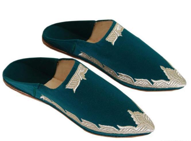 الشربيل الحذاء التقليدي الذي ترتديه المرأة المغربية في العيد